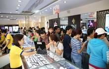 Không khí tấp nập mua vàng Thần tài ở Hà Nội, Đà Nẵng, Tp. Hồ Chí Minh