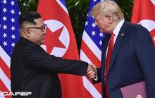 """Con đường từ kẻ thù tới tuyên bố """"phải lòng nhau"""" của ông Trump và ông Kim Jong Un"""