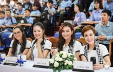 """Hoa hậu Hương Giang: """"Người có chí cả vĩ đại mới tặng sách quý cho mọi người"""""""