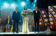 HH Hoàn vũ Khánh Vân cùng 2 Á hậu nhận quà tặng từ Tea Resort