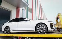 """Lô xe VinFast đầu tiên được """"xuất ngoại"""" kiểm tra chất lượng"""