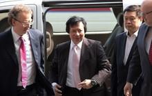 Tỷ phú từng hất cẳng anh ruột khỏi ghế Chủ tịch tập đoàn BĐS hàng đầu Hong Kong: 'Đảo chính' chưa bao lâu thì bị bắt, vừa ra tù đã gọi Dim sum về nhà thưởng thức