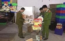 Hà Nội: Thu giữ gần 1,6 tấn dầu gội, dầu xả không rõ nguồn gốc