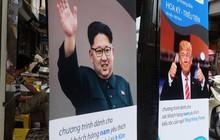 Người Hà Nội xếp hàng để cắt kiểu tóc của ông Donald Trump và ông Kim Jong Un