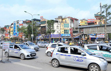 Hà Nội: Bát nháo taxi ngoại tỉnh