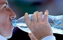 Tạp chí Business Insider: Nước đóng chai chính là cú lừa lớn nhất thế kỷ 21