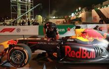 """Hình ảnh """"nóng"""" từ nơi diễn ra màn biểu diễn đua xe F1 tại Hà Nội"""