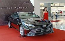 Toyota Camry nhập Thái Lan giá rẻ nhưng 'lạc' hàng chục triệu đồng tại đại lý mới đáng quan tâm