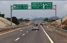 Trạm thu phí bị sét đánh hỏng, cao tốc Nội Bài- Lào Cai phải phát vé giấy