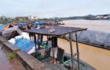 Mưa lớn ở Móng Cái, nhiều đò sắt bị nhấn chìm trong lũ
