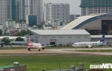 Lái xe bán tải 'tạt đầu' máy bay, nam nhân viên sân bay Tân Sơn Nhất bị đình chỉ