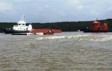 Cận cảnh cứu hộ tàu 8.000 tấn chìm trên sông Lòng Tàu