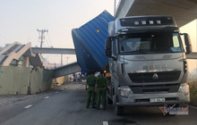 Kết quả bất ngờ chiều cao cầu bộ hành bị xe container kéo sập ở Sài Gòn