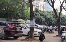 Nhan nhản bãi xe không phép giữa Thủ đô, tiền trông giữ vào tay ai?