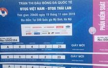Sát giờ G, dân chợ đen thu mua vé trận Việt Nam và Thái Lan bất chấp giá