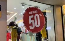 Giảm đến 50%, giá bán quần, áo thương hiệu Việt đắt hơn các thương hiệu bình dân quốc tế Zara, H&M