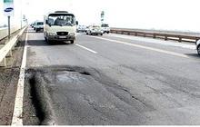 Một công ty Mỹ chính thức đề xuất được sửa hư hỏng mặt cầu Thăng Long