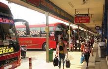 Bến xe Miền Đông vắng hoe, sân bay ken cứng người chiều mùng 5 Tết