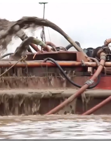 [Video]: Tận thấy 'cát tặc' ngang nhiên thả 'vòi bạch tuộc' nơi cửa biển Hải Phòng
