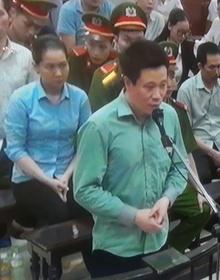 Hà Văn Thắm: Bị cáo không đủ tuổi để lừa được bà Phấn