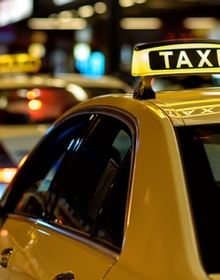 Có nên sơn màu đồng nhất xe taxi tại TP Hà Nội?