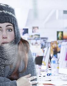 Bạn đang khốn khổ vì bị lạnh khi làm việc ở văn phòng? Chỉ cần chú ý giữ ấm bộ phận này mọi chuyện sẽ được khắc phục