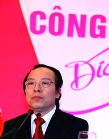Từ một quan sát nhỏ khi đi buôn pha lê đã giúp ông Đỗ Minh Phú gây dựng công ty băng vệ sinh Diana trị giá 200 triệu USD