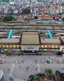 Cận cảnh tuyến đường sắt chạy xuyên nội đô