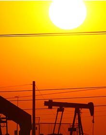 Tăng mạnh, giá dầu lập đỉnh cao mới của năm 2017
