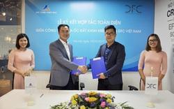 Lễ ký kết đối tác chiến lược giữa DFC Việt Nam và Đất Xanh Miền Bắc
