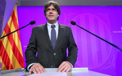 """Tây Ban Nha """"nín thở"""" chờ câu trả lời từ Thủ hiến Catalonia"""