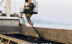 32.000 tấn than được 'rót' trong ngày đầu năm mới