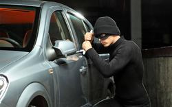 Đây là cách những tên trộm đánh cắp chiếc xe Mercedes trong chưa đầy 1 phút