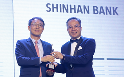 """Ngân hàng Shinhan nhận giải thưởng """"Nơi làm việc tốt nhất châu Á 2019"""""""