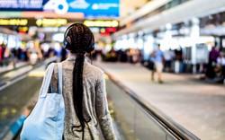 """5 bí quyết đơn giản giúp tín đồ của """"chủ nghĩa dịch chuyển"""" đối phó với lệch múi giờ sau chuyến bay dài và giữ trí óc tỉnh táo để làm việc hiệu quả"""