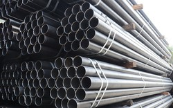 Trung Quốc tăng thuế với ống thép của Mỹ lên 3 con số