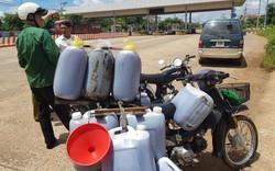 Hàng trăm lít dầu ăn bẩn chuẩn bị tuồn ra ngoài thị trường