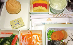 """Có gì bên trong công ty chuyên """"bán cơm"""" cho Vietnam Airlines độc quyền tại sân bay Tân Sơn Nhất?"""
