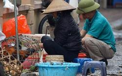 Dịch vụ bán và làm thuê gà cúng giao thừa ế ẩm, nhiều tiểu thương dọn hàng về sớm