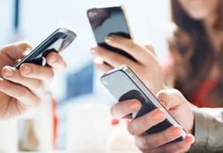 """Khách hàng Vinaphone, Mobifone, Viettel làm sao để biết mình có bị """"lén"""" cài dịch vụ và trừ tiền oan?"""