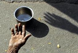 Chuyện chàng trai nghèo, lão ăn xin và một đồng xu: Bài học cuộc sống ý nghĩa ai cũng nên biết nếu muốn thành công