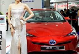 Thuế, phí đẩy giá ô tô tại Việt Nam lên cao