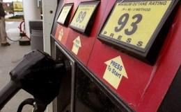 Giá dầu thế giới xuống dưới 39 USD/thùng