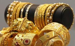 Người châu Á tích lũy trang sức quý và đồ cổ cho tương lai