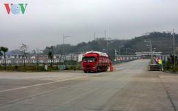 Cửa khẩu Quốc tế Lào Cai đón chuyến hàng đầu tiên trong năm mới