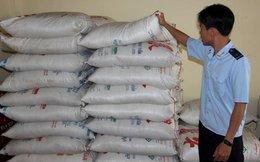 Tạm giữ hơn 40 tấn đường nghi là nhập lậu