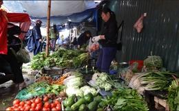 Hà Nội: Trời rét mưa phùn đẩy giá rau, củ tăng mạnh