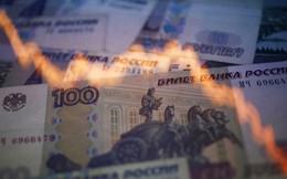 Rúp Nga rớt giá mạnh vì xung đột Ukraine leo thang