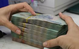 Thanh khoản dồi dào, lãi suất không chịu hạ