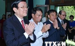 Chủ tịch nước Trương Tấn Sang dâng hương tưởng niệm Bác Hồ
